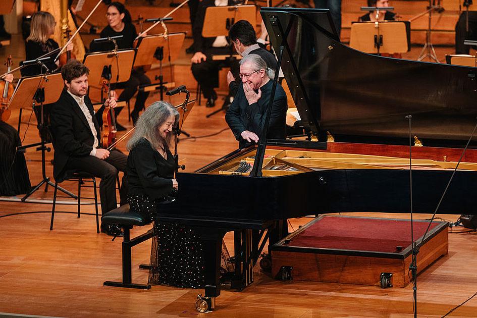 Martha Argerich & Sylvain Cambreling